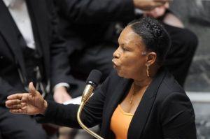 1063735_la-ministre-de-la-justice-christiane-taubira-devant-l-assemblee-nationale-le-17-juillet-2012[1]