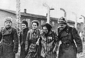 http://histoireetsociete.files.wordpress.com/2014/01/auschwitz.jpg?w=300&h=203